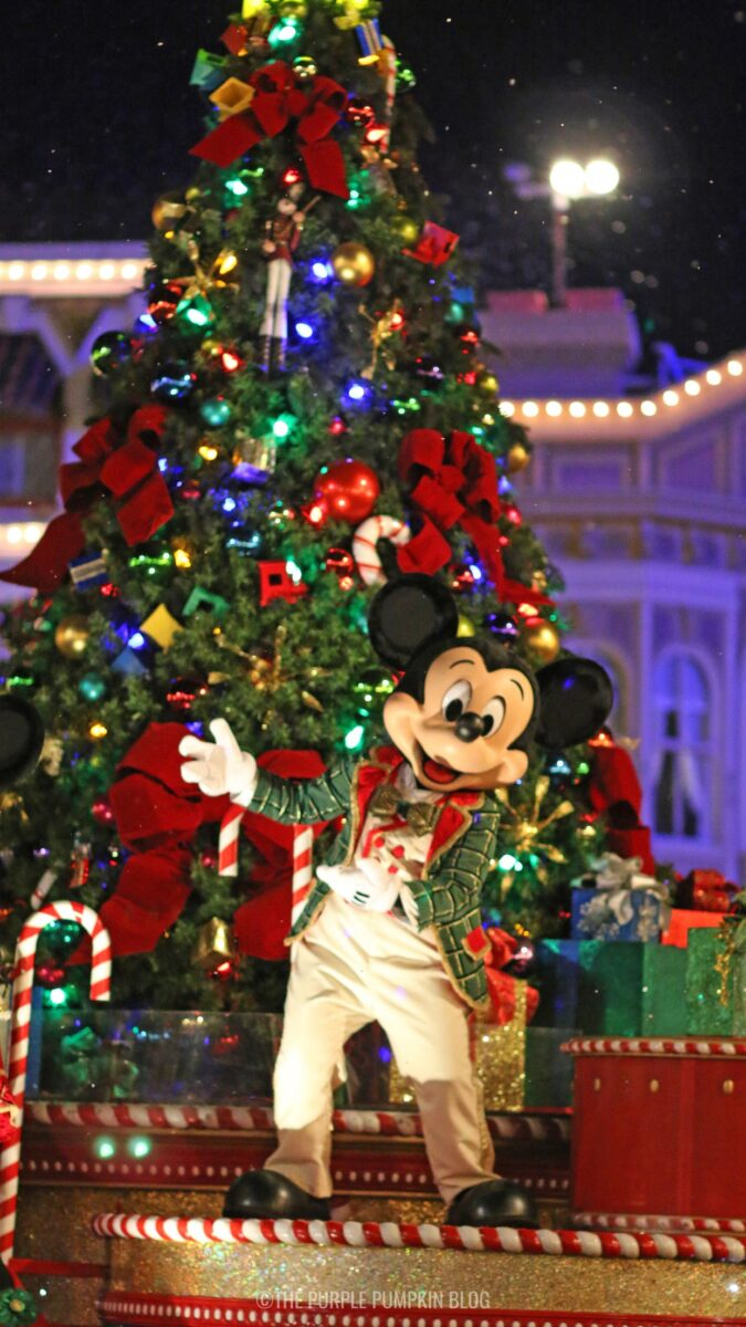 Walt Disney World Christmas Phone Wallpaper Mickey Mouse 675x1200