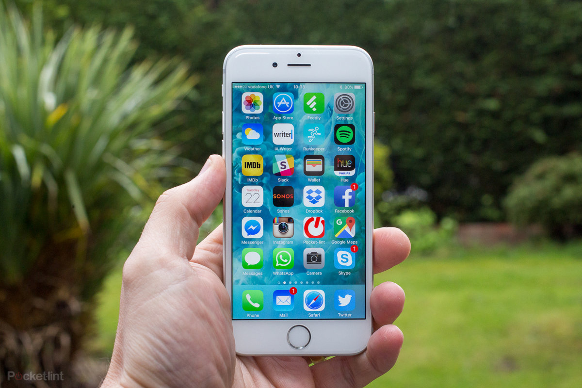 apple iphone 6s review a year on it s still a great phone